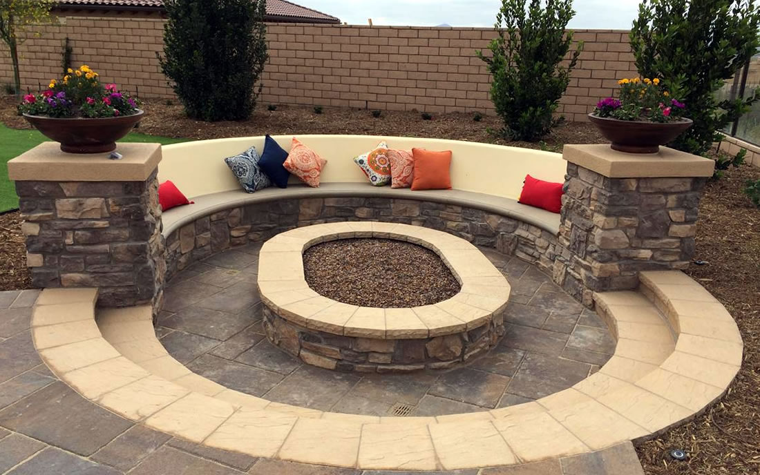 Outdoor Living Areas w/ Fire Pits