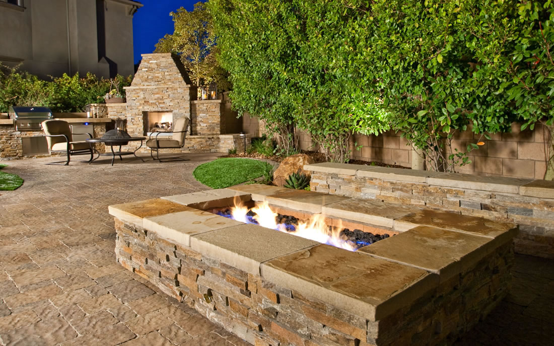 BBQ Islands Outdoor Kitchens Fireplaces